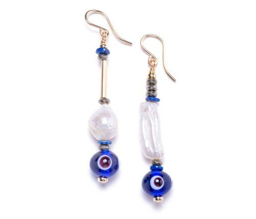 Maria Masella, boucles d'oreilles, lapis-lazuli, pyrite, perles de culture d'eau douce,