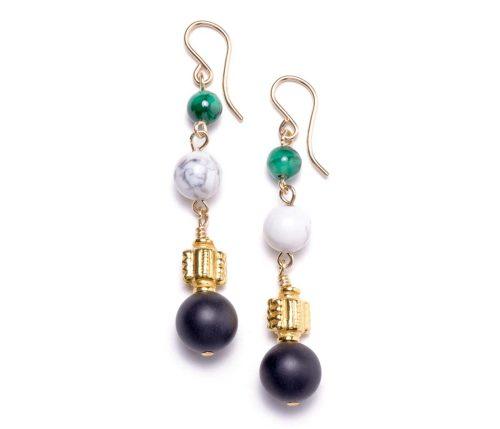 Maria Masella, boucles d'oreilles, malachite, howlite,onyx, perles ornées en vermeil