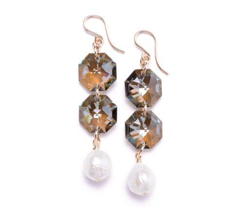 Maria Masella, boucles d'oreilles, cristaux Swarovski, perles de culture d'eau douce